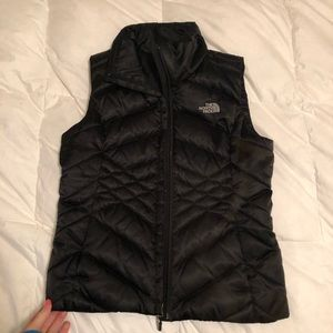 North Face vest! In AMAZING condition